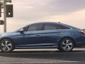 2016 Hyundai Sonata Side view