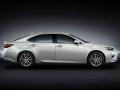 2016 Lexus ES 300h 003