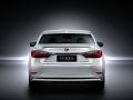 2016 Lexus ES 300h 004