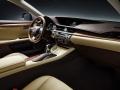 2016 Lexus ES 300h 007