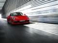 2016-Porsche-911-Targa-4-GTS_09