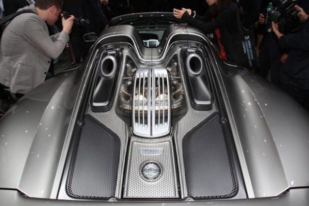 2015 Porsche 918 Spyder Engine