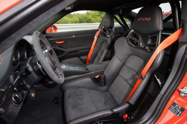 2016 Porsche 911 GT3 RS Interior