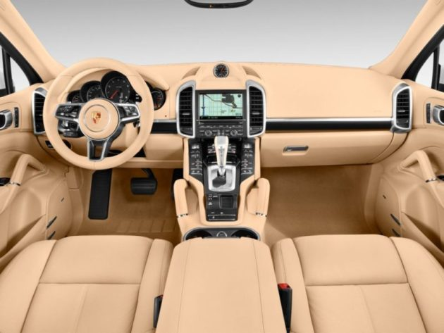 2016 Porsche Cayenne Dashboard - Source: thecarconnectiion.com