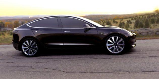 2017 Tesla Model 3 Side View Black