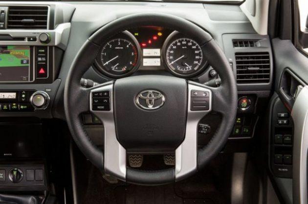 2017 Toyota Land Cruiser Dashboard